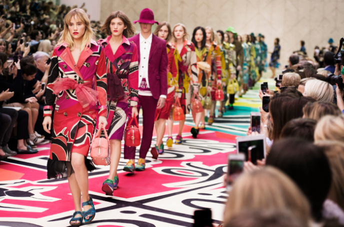 Burberry весна-лето 2015 «Birds and Bees»