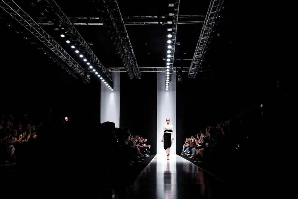 MERCEDES-BENZ FASHION WEEK RUSSIA СТАЛА ПОБЕДИТЕЛЕМ ПРЕМИИ DIGITAL COMMUNICATIONS AWARDS 2021